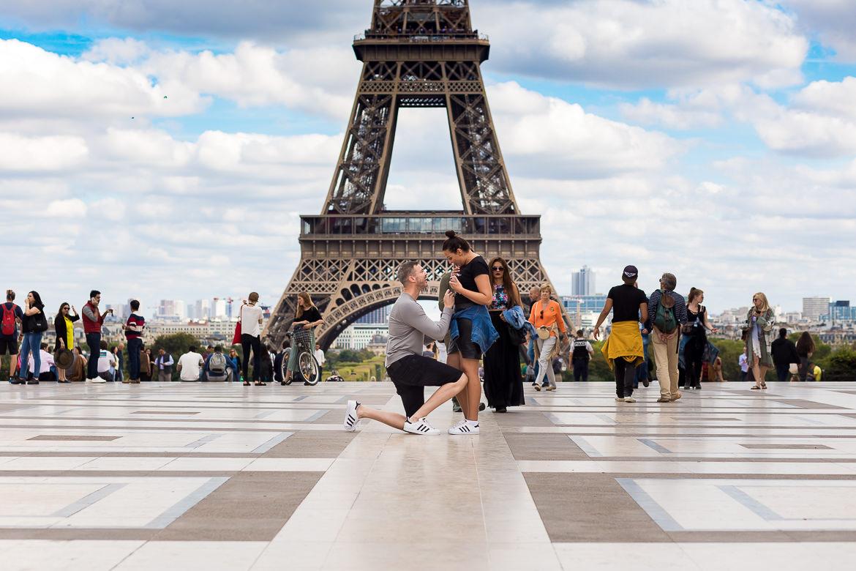 Huwelijksaanzoek voor de Eiffeltoren