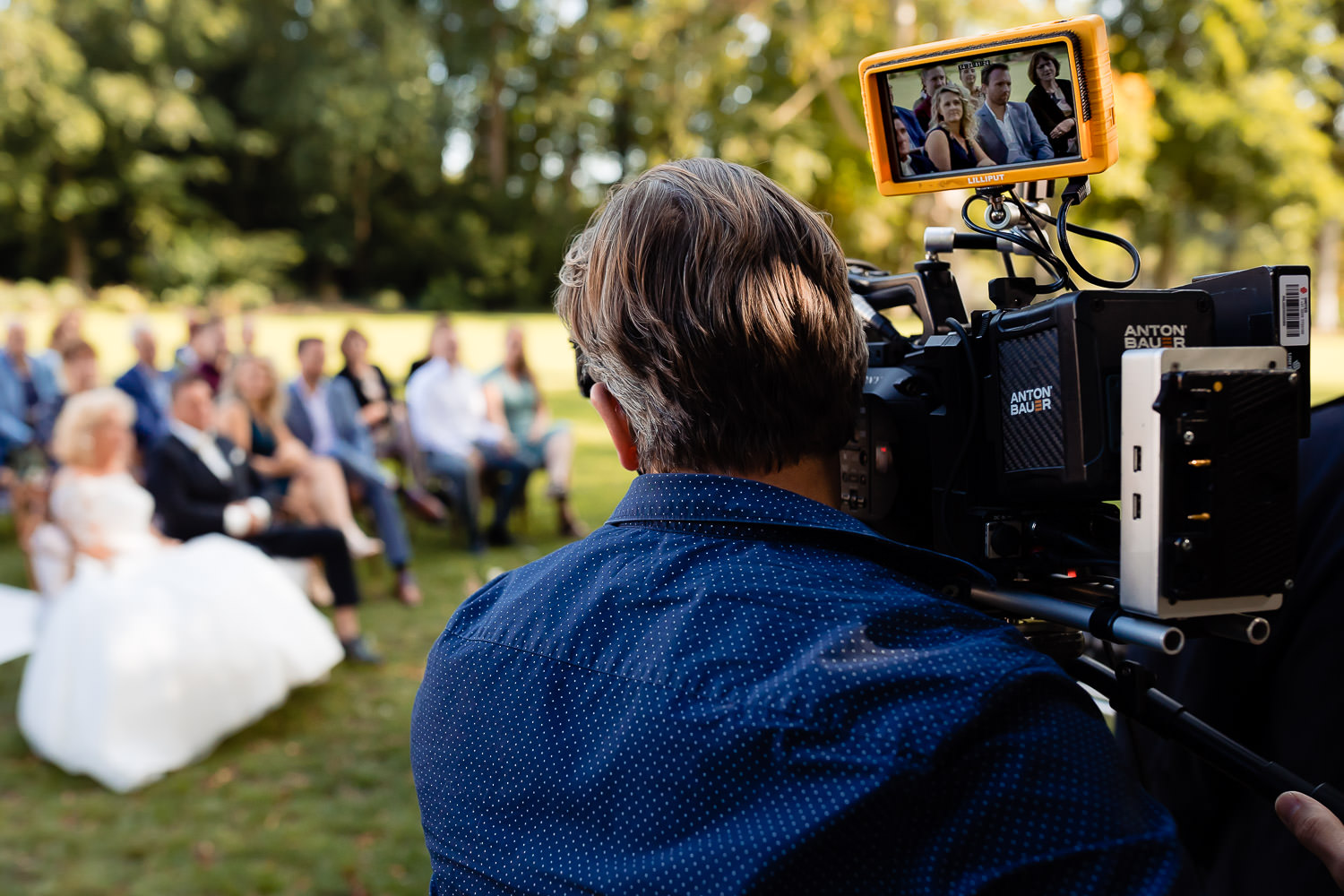 Cameraman tijdens de opnames van Married At First Sight